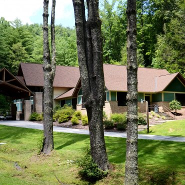 Ramah Darom Welcome Center + Senior Cabin